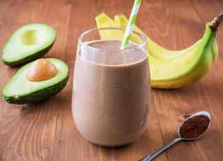 The Best Healthy Chocolate Peanut Butter Smoothie You Will Ever Have! Learn how you can make this recipe on Avenlylane.com