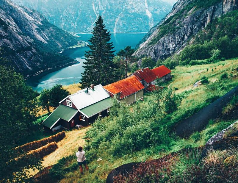 Kjeasen is one of many mountain ledge farms in Norway!