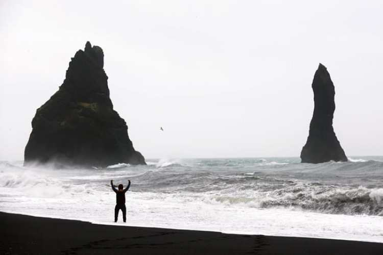 What to see in Vik Iceland!! Black sand Beaches in Vik.