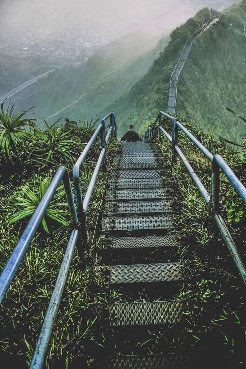 Ha'iku Stairs (Stairway to Heaven) Hike, Oahu. See 27 of the best places to visit in Hawaii!