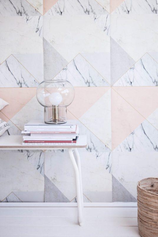 papier-peint-marbre-peche-abricot-lilesadie-aventuredeco