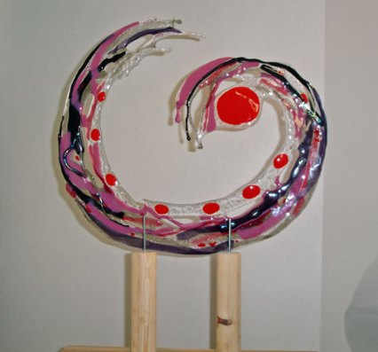"Lucia Admiraal, ""Go with the flow"", 2011, gefused glas, 69x52x22."