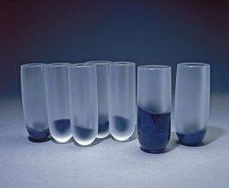 """Menno Jonker, """"Science"""", 2001-2002, geblazen, geslepen, gematteerd en gemonteerd kristal, 48 cm."""