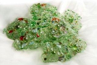"Patula Berm, ""Wandjuweel"", diameter circa 18 cm, gefused glas."