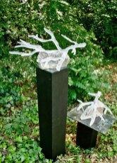 """Elsa Geserick's """"Frozen trees"""" passen heel goed in het Park."""