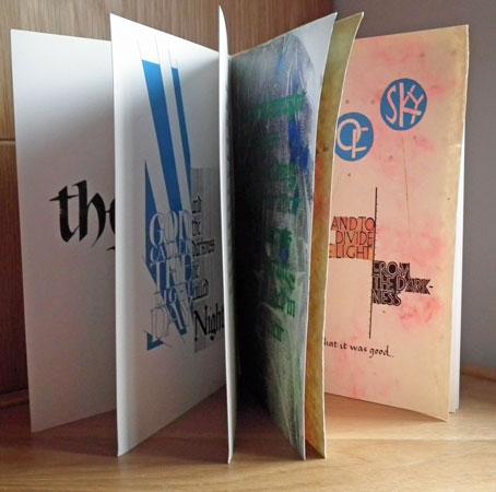"""Bas Vlam, """"Genesis"""", gekalligrafeerd boek, diverse technieken en materialen, gesloten 19 x 25 cm, het contemplatief kunstwerk."""