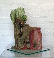 "Ria Pastoor, ""Rotsvast vertrouwen"", klei, oxiden, engobe, 42 x 30 x 15 cm."