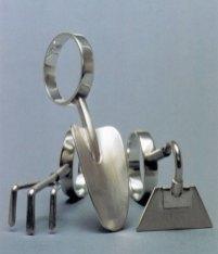 """Teunis van de Kamp, """"Tuingereedschap"""", zilver, 3 ringen, Ø 18 mm."""