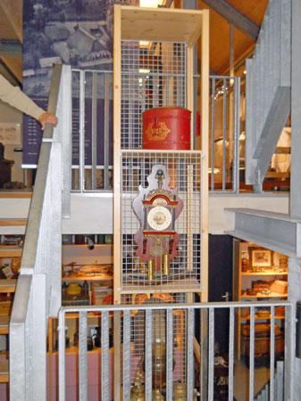 12-379-Zuil naast trap-over 2 etages-in vakken-3 stuks-50x55x75 combi met bestaand.