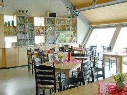 15-430-Restaurant-in raamopening 4x-met tegenlicht-circa 40x40.
