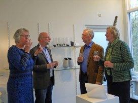 vlnr Joke Vlam, Simon Boon, Burgemeester Hans van der Hoeve en echtgenote Ada Hink.