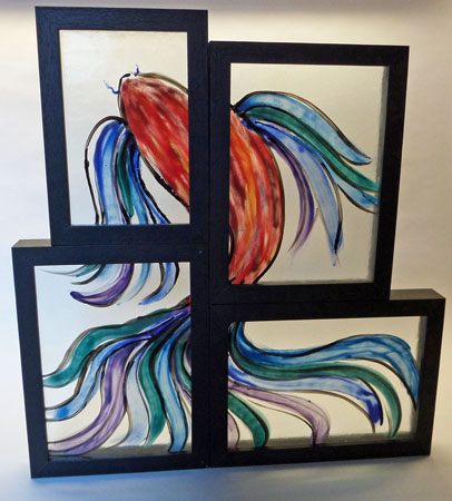 """""""Fish 1"""", Animals under construction, Veil taile, samengesteld, ingelijst, meerdere lagen gebrandschilderd glas, 35 x 30 cm"""