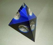 Blauwe-Tetraeder-klein-0107