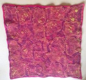 Naaldvilt bedekt met gekleurde voile en zijden hankies. 2016. 54x54 cm.