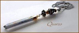 """Hanger """"Quarzo"""", electro plated berkristal obelisk, zilveen kraal, glaskraal met triton zilverglas."""
