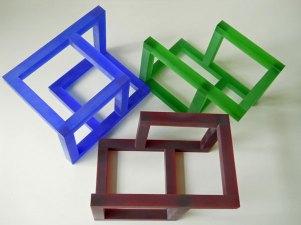 """""""Kubus"""", in 3 kleuren, optisch kristal, 22x15x15 cm."""