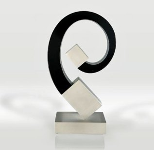 Introvert, glas i.c.m. metaal 11 x 6 x 20 cm.