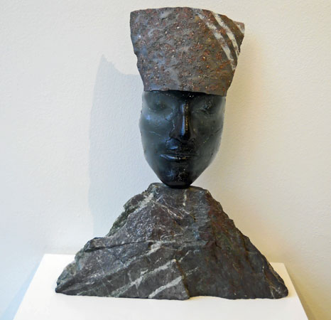 Pharaoh, fused and cast glass, hoog 43 cm.