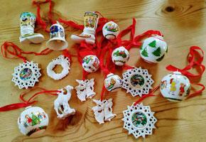 Hiutschenreuther kerstornamenten van poreselein.