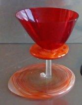 Kringen Rood in het glas - gefused. hoog 13 cm.