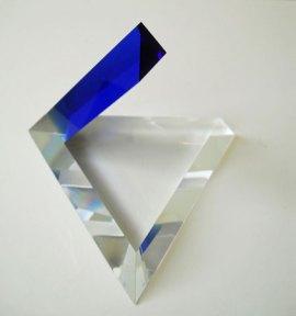 Open Tetraeder Blauw - Tsjechisch optisch kristal, 17x15x18 cm.