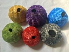 6 Potten - diverse kleuren, Lontwol en zijde in vorm gevild, doorsnede 14 cm