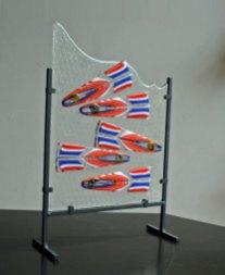 Hollandse Nieuwe - haringen van zaagblok, tackfuse, struktuur, zwarte standaard - 49x32x12,5 cm.
