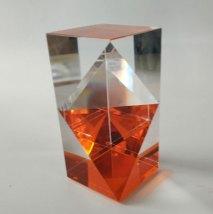 Optisch kristal, Venster Oranje, 16,5x8x8cm.