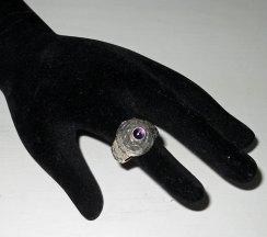 Zilveren ring met amethist.