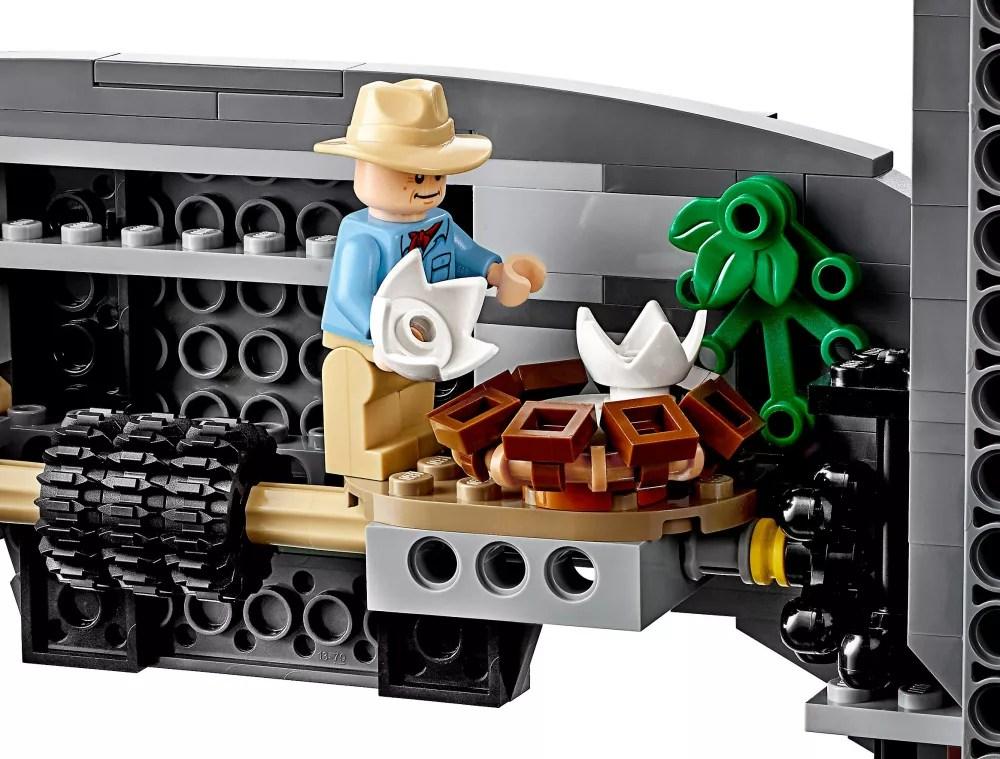 LEGO Jurassic World 75936 pas cher. Jurassic Park : le carnage du T. rex