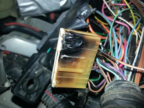 small resolution of car fuse box burnt best secret wiring diagram u2022 house fuse box car fuse box burnt