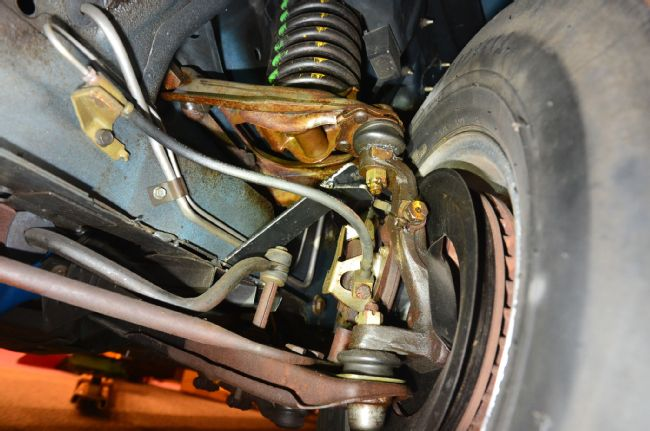 Tool Suspension Arm : Lift classic mustangs and avoid suspension damage