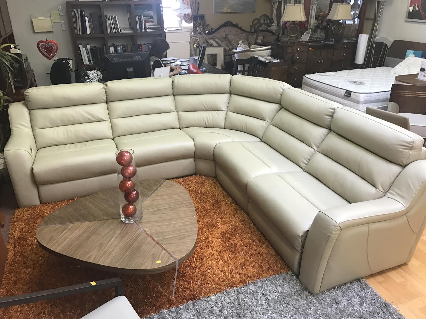 Kuka Sectional Sofa Leather Recliner Beige Leather Sectionals