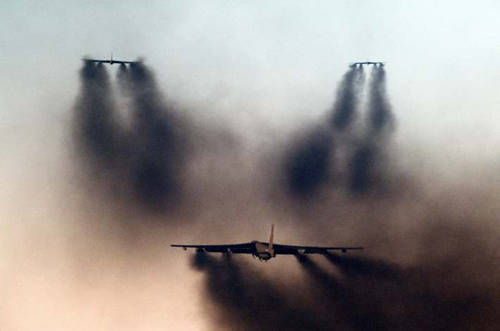 B-52Gs_taking_off_from_Barksdale_AFB_1986.JPEG