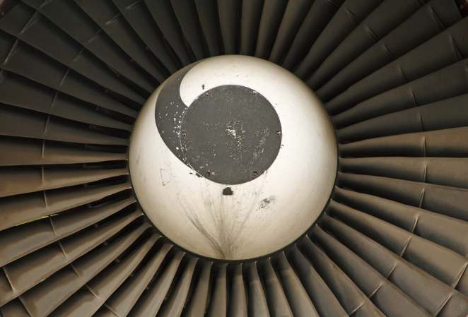 Detail_of_an_engine_on_the_747_prototype