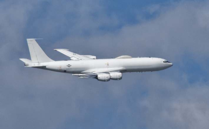 A U.S. Navy Boeing E-6 Mercury airborne command post. (US Navy Photo)