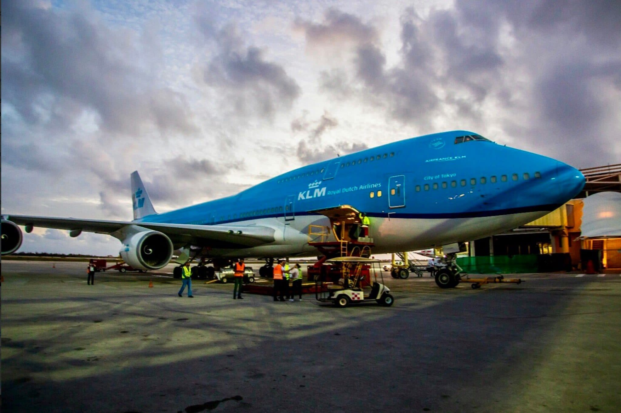 KLM Boeing 747 Returns To St  Maarten--This Time With Zero