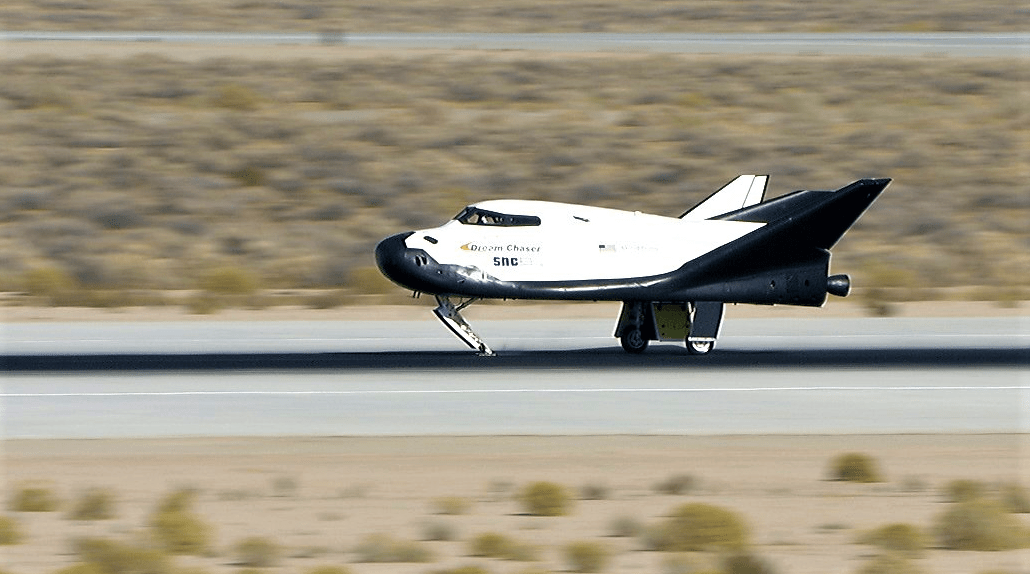 Sierra Nevada's Dream Chaser Space Plane Aces Free-Flight Drop Test