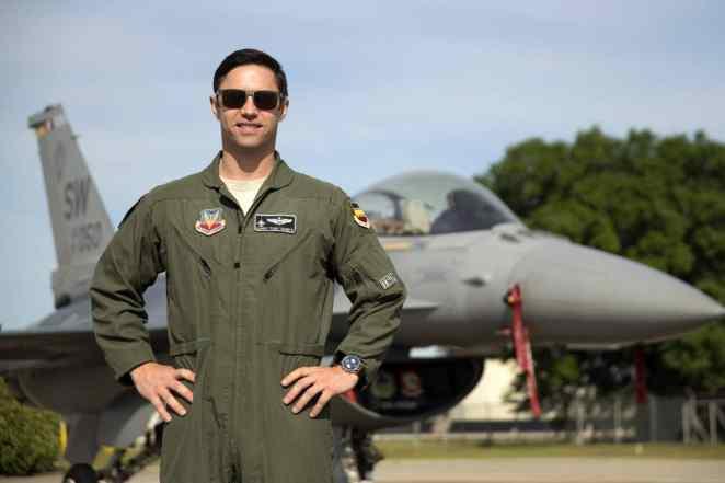 F-16 Viper Demo Team Announces New Pilot for 2019-20