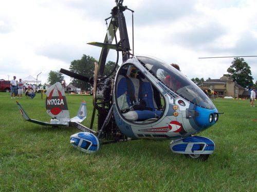 Autogiro RAF 2000 (Nótese la adición de un estabilizador horizontal)