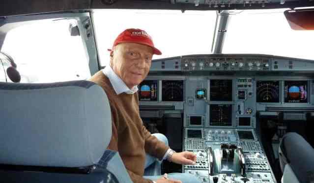 Fly Niki vuelve a manos de su creador. ¿IAG pierde o lo hacen los pasajeros?