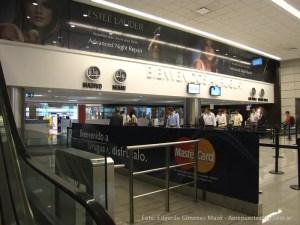 "Aeropuerto de Montevideo - Uruguay - Bienvenida (Foto: Edgardo Gimenez Mazó"""