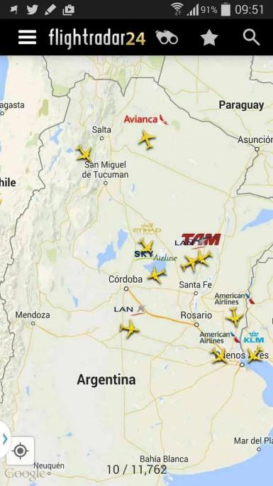 Los cielos argentinos a las 9:50 de acuerdo a FlightRadar24. Sólo extranjeras.