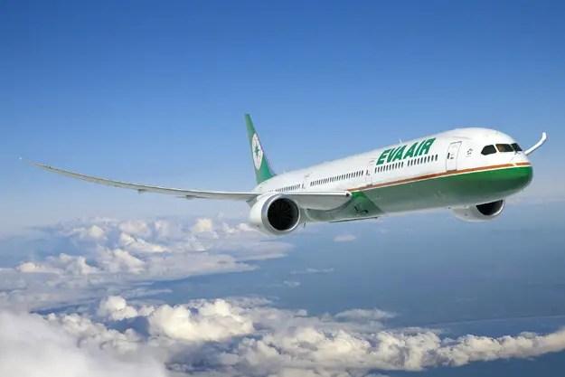 eva-air-787-10-01fltboeinglrw