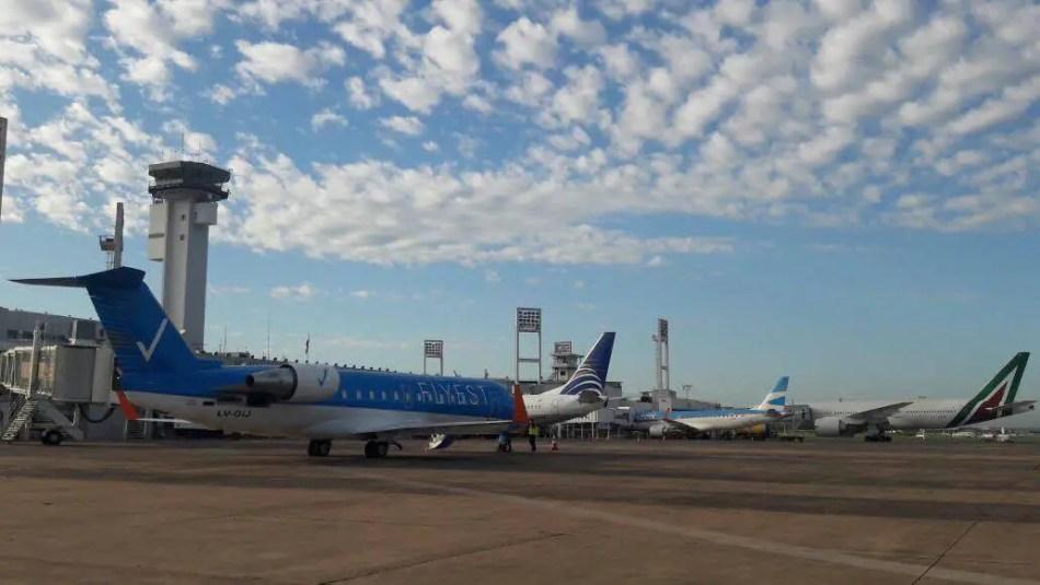El CRJ200 LV-GIJ ya luciendo el nombre Flyest antes de partir hacia Buenos Aires.