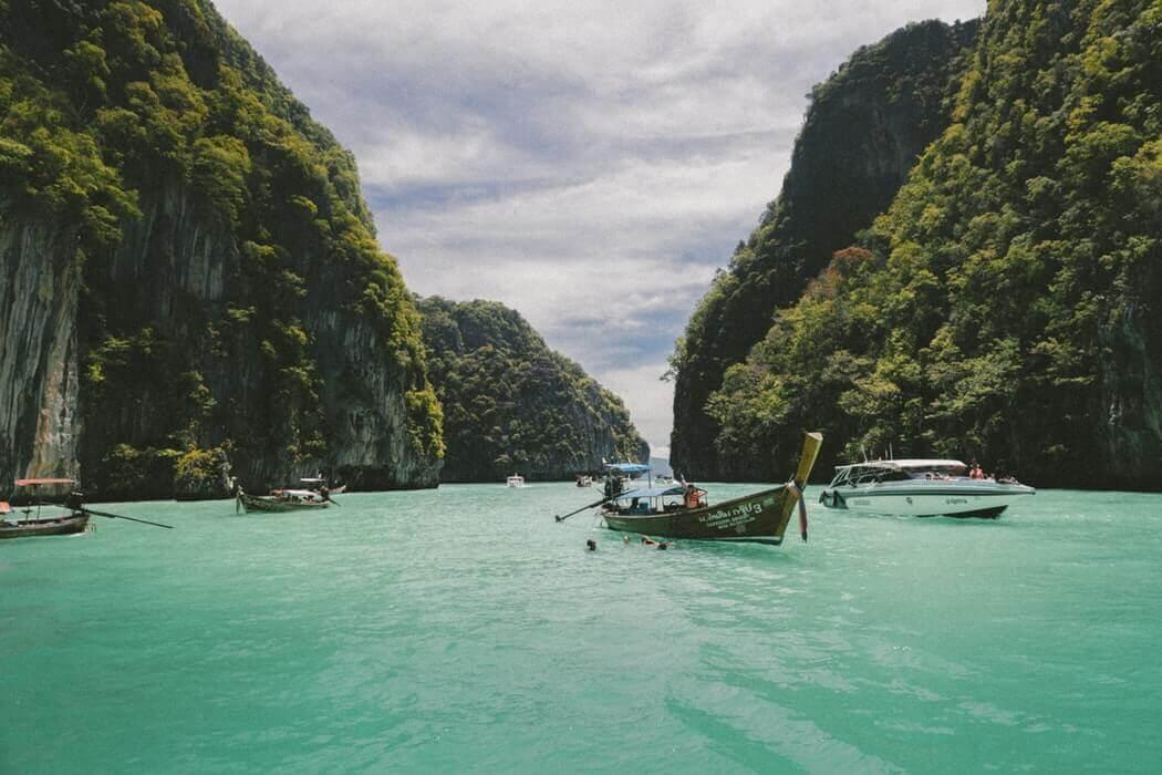 Куда поехать без визы: полный разбор 14