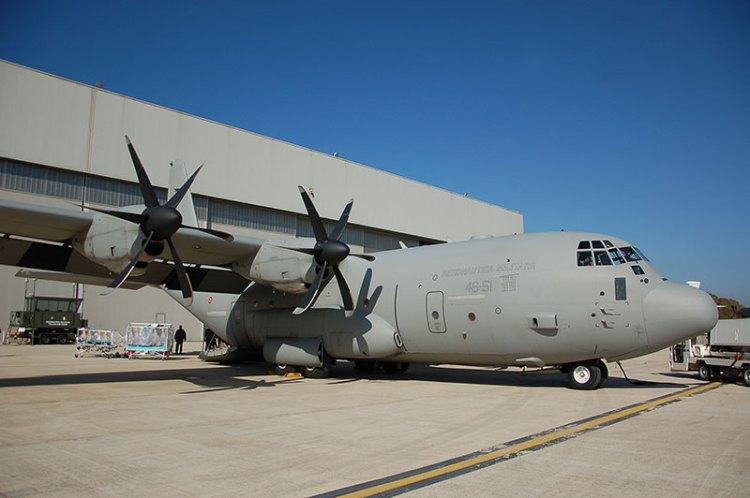 c-130 trasporto in bio contenimento aeronautica militare