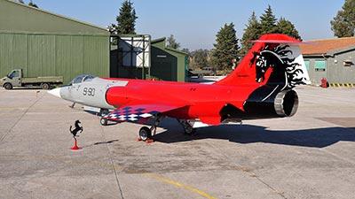 f-104 aeronautica militare special color ferrari