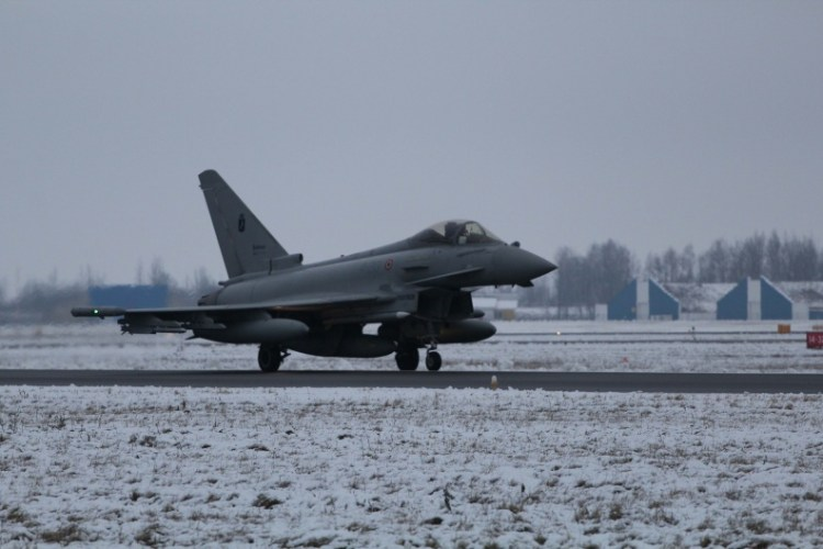 eurofighter aeronautica nato baltic air policing
