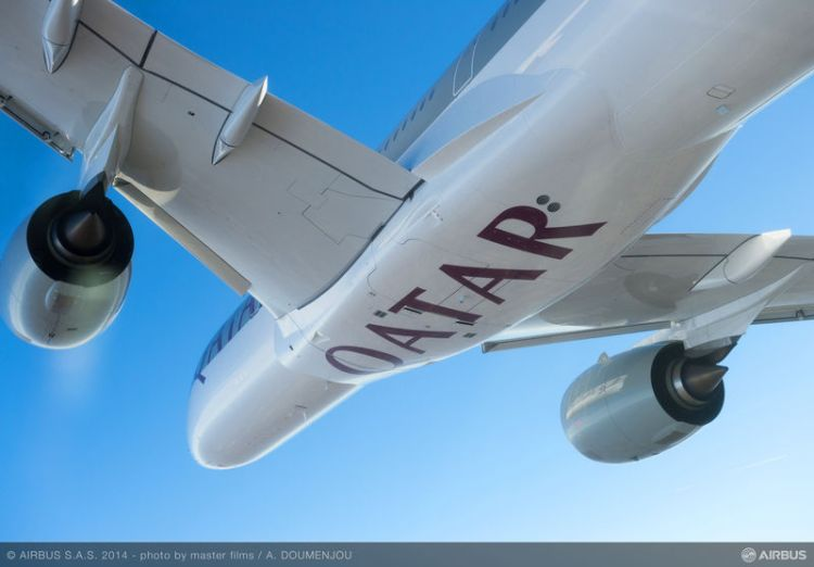 decolla primo airbus a350 xwb qatar airways